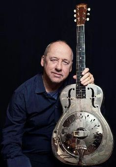 Mark Knopfler- you are not getting older you are just getting better.........like fine wine!