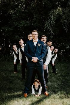 Funny wedding photography poses awesome pin by lexi monroe on wedding s in 2019 – www.GasStationMai… Funny wedding photography poses awesome pin by lexi monroe on wedding s in 2019 – www. Funny Wedding Photography, Funny Wedding Photos, Romantic Wedding Photos, Wedding Pictures, Wedding Ideas, Photography Pricing, Photography Ideas, Wedding Group Photos, Portrait Photography