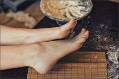 https://flic.kr/p/e2TdYs | just sweet legs | Beautiful young girl's feet