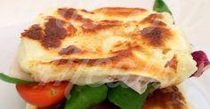 """Pan de molde """"fit""""  -3claras de huevo ó 1huevo y una clara  -2 cucharadas de queso de burgos o requesón 0% (queda mejor que con el queso batido)  -2cucharadas de harina de almendras (almendra molida, en mercadona hay, por ejemplo)  -1/2 cucharadita de levadura en polvo -un pelin de sal baja en sodio"""