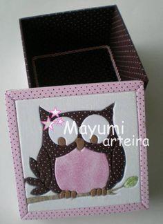 Caixa de MDF personalizada, revestida com tecido 100% algodão. R$ 58,00