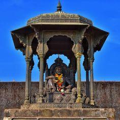 Chhatrapati Shivaji Maharaj | Raigad Fort #capitalfort #Marathas #empire #raigadfort Hd Wallpapers 1080p, Hd Backgrounds, Raigad Fort, Birthday Banner Background, Shivaji Maharaj Hd Wallpaper, Mobile Wallpaper Android, Lord Shiva Hd Wallpaper, Galaxy Wallpaper, The Incredibles