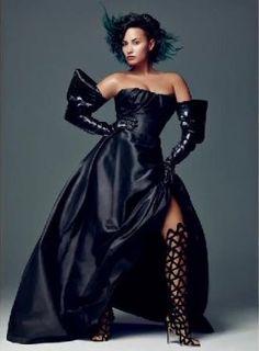 Veja os bastidores do ensaio fotográfico de Demi Lovato para a revista Allure - Vagalume