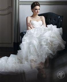 Casamento - Vestido de Noiva: Mariana Kuenerz (Foto: Tinko Czetwertynski)