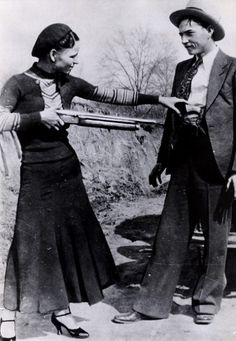 Bonnie & Clyde... my kind of love story :o)