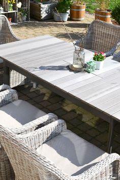Pure Idylle im #Landhaus-Stil! #gartenmöbel #gartengarnituren