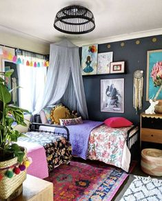 This amazing boho girls room is surely an inspiring and amazing idea Big Girl Bedrooms, Little Girl Rooms, Vintage Girls Rooms, Leelah, Girl Bedroom Designs, Girls Bedroom Colors, Basement Bedrooms, Toddler Rooms, My New Room
