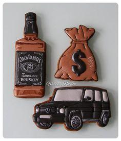 """Мужской набор"" #royalicingcookies #gingerbread #decoratedcookies #cookiedecoration #sugarart #пряник #пряники #имбирноепеченье #имбирныепряники #пряникалматы #пряникиалматы #customcookies"