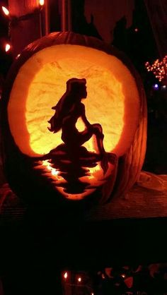 Ariel Jack-o-lantern! For Jorja Lee! Halloween Pumpkin Carving Stencils, Disney Pumpkin Carving, Pumpkin Carving Contest, Amazing Pumpkin Carving, Pumpkin Carving Templates, Pumpkin Stencil, Pumpkin Art, Pumpkin Ideas, Pumpkin Crafts
