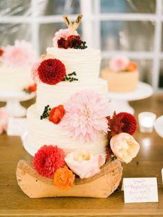 Wedding cake   #wedding #weddings #bride #groom #dress #cake #bouquet #jimmychoo  www.hotchocolates.co.uk www.blog.hotchocolates.co.uk www.evententertainmenthire.co.uk