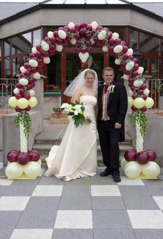 You may now kiss the bride! Bridal Balloons, Wedding Ballons, Engagement Balloons, Wedding Balloon Decorations, Church Wedding Decorations, Balloon Centerpieces, Balloon Columns, Balloon Arch, Wedding Gate