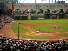 Houston, TX - Watch the Houston Astros at Minute Maid Park
