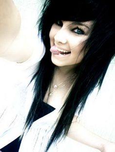 jet black emo hairstyle for girls