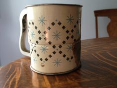 Androck threescreen flour sifter white by EvelynsCornerCabinet, $10.00