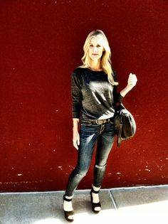 Heather's blog | Fluent Fashions: Wearing Rag and Bone jeans, they are my favorite! #rag #jeans #denim #streetstyle
