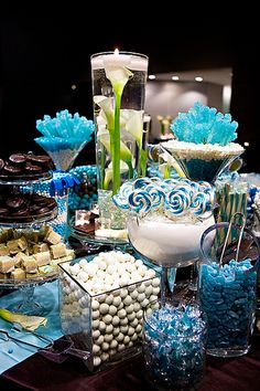 Wedding Candy Buffet Table Displays with ideas for colors and containers. If you are thinking about having a candy buffet this is a must read. Blue Candy Buffet, Candy Buffet Tables, Dessert Buffet, Buffet Ideas, Dessert Tables, Lolly Buffet, Wedding Candy, Wedding Favors, Wedding Ideas