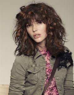 Capelli ricci, tendenza d'autunno. Taglio, colore e consigli di styling - VanityFair.it |