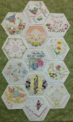 New Ideas for crazy patchwork quilts vintage linen - Quilting Embroidery Designs, Vintage Embroidery, Quilting Designs, Embroidery Stitches, Machine Embroidery, Embroidery Scissors, Embroidery Monogram, Crewel Embroidery, Embroidery Kits