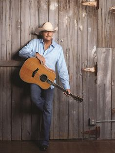 You cant compere Luke Bryan or those other newage guys to the true country singers! I love you Alan Jackson!