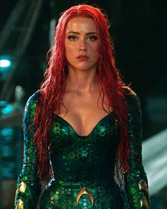 Look at her ! Look at her ! She is a GODDESS and she knows it 😍😍😍🙌🏻🙌🏻💪🏻💪🏻💪🏻 . Aquaman, Hollywood Actresses, Actors & Actresses, Mera Dc Comics, Marvel Comics, Amber Heard Photos, Super Heroine, Femmes Les Plus Sexy, Comic Movies
