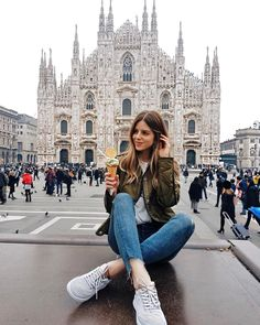 Milan is one of the most popular cities in Italy. Find out the best things to do, places to see and where to eat if you're only visiting Milan for one day. Milan Travel, Paris Travel, Italy Travel, Travel Trip, Travel Hacks, Travel Guide, Duomo Milan, Photography Poses, Travel Photography