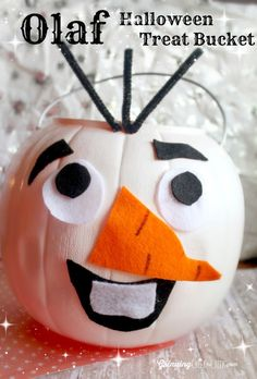 Olaf Halloween Treat Bucket #DIY #Craft #Halloween #Frozen #Olaf #Disney