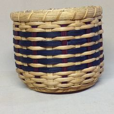 Patriotic Basket with Wood Base Hand Woven от DiannesBaskets