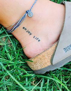Fußtattoo klein Tattoodesign - My moods in a nutshell - Minimalist Tattoo Dream Tattoos, Mini Tattoos, Cute Tattoos, Body Art Tattoos, Tatoos, Cool Little Tattoos, Cute Simple Tattoos, Stomach Tattoos, Tattoo Simple