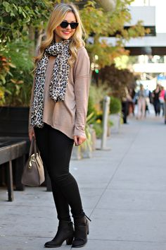 Leopard scarf, black jeans, beige sweater and black booties