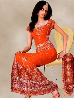 Maximstyles manufactures Indian wedding dresses for ladies as well as a wide range of mens' apparel and garments. Our wedding wear for women includes a wide variey of choices like lengas,both traditional and modern, salwars, both regular and patialas, churidar kurtas including anarkalis and, of course, sarees. Our range for men includes sherwani, suits and dhoti kurtas. We also provide accessories such as pagris for the groom and bridal jewellery for the Indian bride.