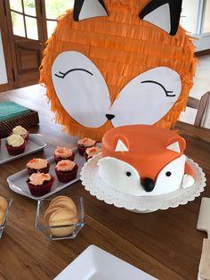 Torta de zorrito para festejo de 1 año de Santi Ideas Para Fiestas, Bambi, Fondant, Baby Shower, Party, Kids, Enchanted Forest Maryland, Ideas, Fox Cake