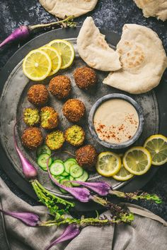 Falafel with Pita bread and Tahini Sauce