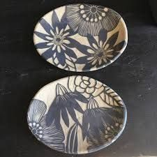 Made to order Dimensions: approx. x Food, dishwasher and microwave safe. Clay Plates, Ceramic Plates, Ceramic Pottery, Decorative Plates, Pottery Painting Designs, Paint Designs, Black And White Flowers, Pottery Techniques, Flower Plates
