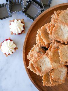 Mandelmusslor   Brinken bakar Snack Recipes, Snacks, Apple Pie, Chips, Desserts, Food, Prom Dresses, Snack Mix Recipes, Tailgate Desserts