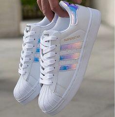"Tendance Sneakers : ""Adidas"" Fashion Reflective Shell-toe Flats Sneakers Sport S… Tendance Sneakers: ""Adidas"" Mode reflektierende Shell-Toe Flats Sneakers Sportschuhe Adidas Shoes Women, Sneakers Adidas, Adidas Superstar Shoes, Sneakers Women, Shoes Addidas, Adidas Shirt, Adidas Shoes White, White Nikes, Cheap Adidas Shoes"