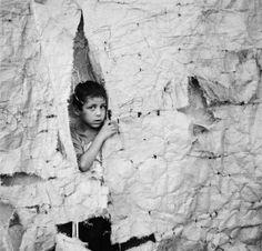 """Digigraphie® by Epson à la Maison Européenne de la Photographie : Sans titre, de la série """"Childhood memories"""" 2002 © Raed Bawayah Expositions, Photos, Black And White, Face, Artwork, Photography, Home, Work Of Art, Auguste Rodin Artwork"""