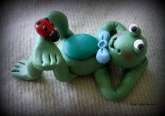 *POLYMER CLAY ~  Kickin Back Frog.