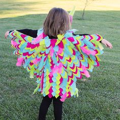 These No Sew Owl Wings are great for dress up or perfect for that Halloween Costume!