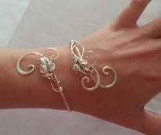 Unique Bracelets, Silver Bracelets, Handmade Bracelets, Handmade Jewelry, Silver Earrings, Cuff Bracelets, Onyx Necklace, Hand Jewelry, Cute Jewelry