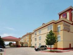 Fort Worth (TX) Comfort Suites North Fossil Creek United States, North America Comfort Suites North Fossil Creek is conveniently located in the popular Fairway Bend area. Both business travelers and tourists can enjoy the hotel's facilities and services. All the necessary facilities, including 24-hour front desk, facilities for disabled guests, express check-in/check-out, Wi-Fi in public areas, car park, are at hand. Comfortable guestrooms ensure a good night's sleep with some...