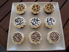 Mossy's Masterpiece - Jungle print cupcakes | Flickr - Photo Sharing!