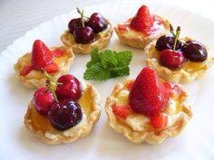 Mini cake hojaldre con frutas