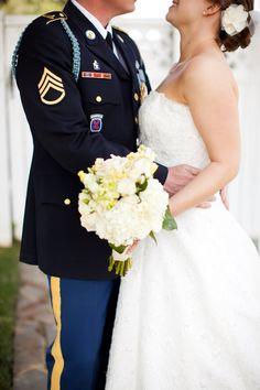 DIY military wedding by Katie Nesbitt photography