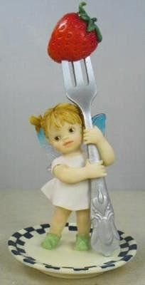 DINNER FAIRIE ___From Series One of the My LiTTLe KiTcHeN FAiRiES Collection from Enesco