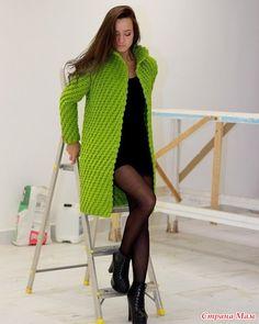 Жакет крючком рельефными столбиками ПАЛЬТО LA ROSE от Полины Крайновой  Осенний зигзаг-кардиган/пальто крючком схемка по приталиванию подиум