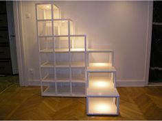 If we're talking 40 cm cubes on the left, 60 on the right, the height would be about 240 and the footprint would be about 200x~150-180. The dimensions of these steps may work for my space.