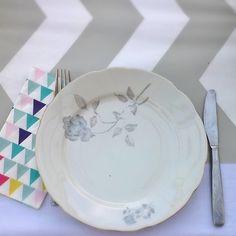 Kitchentable... #styling #kitchenprops #decorations #kitchentable #kitchen #helloweekend