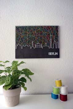 Stringart / Fadenbild der Skyline von Berlin - schnuerstueck Berlin, Nail String Art, Skyline, Diy And Crafts, Crafty, Etsy, Frame, Decorations, Summer