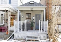"""229 Winnett Avenue is wee. With a lot size of 12.5 ft wide, it's just slightly bigger than 128 Day Avenue (Toronto's tiniest, aka """"The Little House..."""