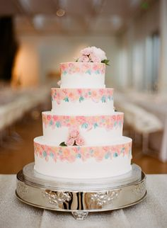 wedding cake from NC Museum of Art wedding in Raleigh, North Carolina http://www.trendybride.net/nc-museum-of-art-raleigh-weddings/